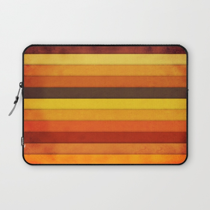 12 vertical-grunge-laptop-sleeves