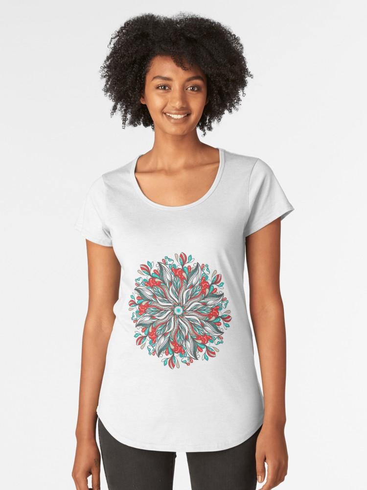 Camisetas premium para mujer «Mandala Flowers» de angeldecuir | Redbubble