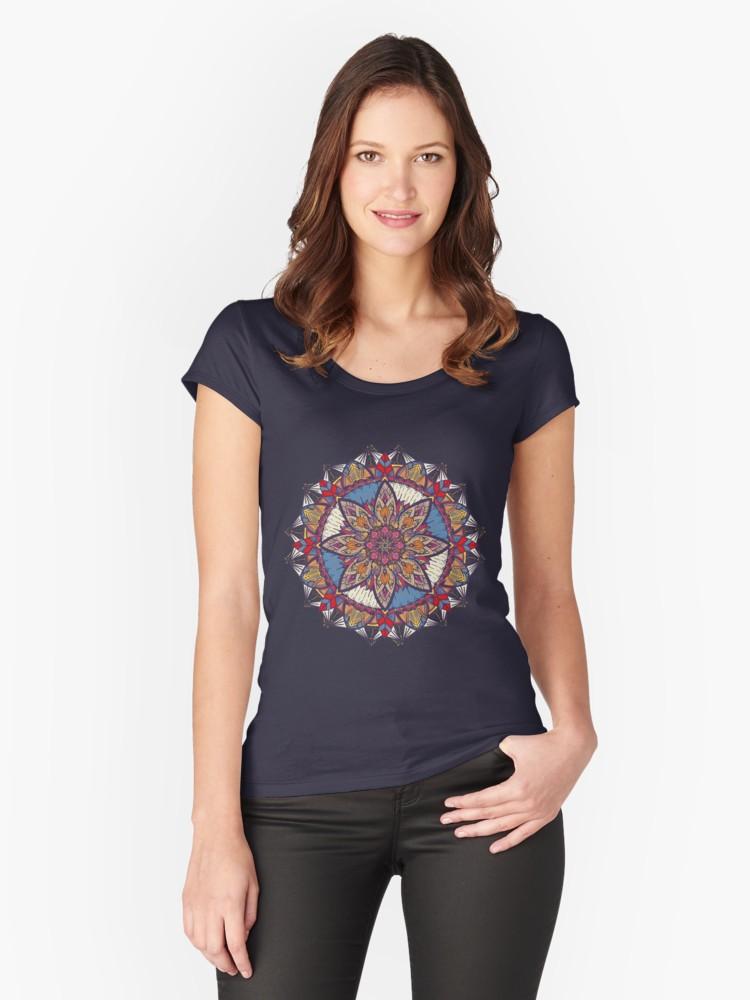 Camisetas entalladas de cuello redondo «Transformaciones» de angeldecuir | Redbubble